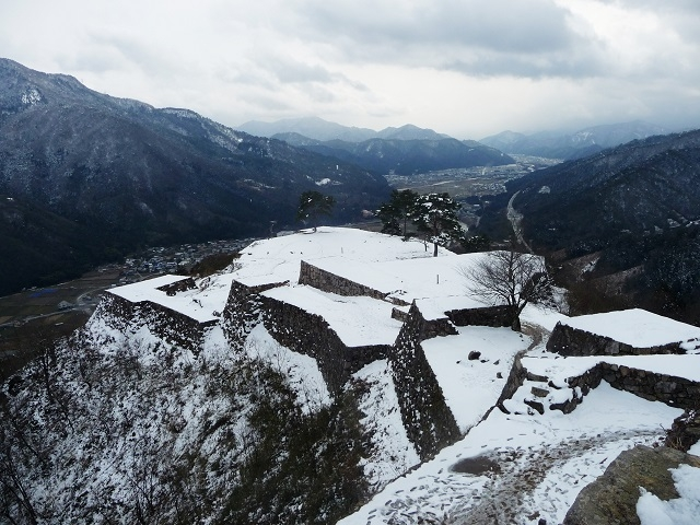 Takeda Castle called Japanese Machu Pichu in Winter by Kazumasa Suzuki